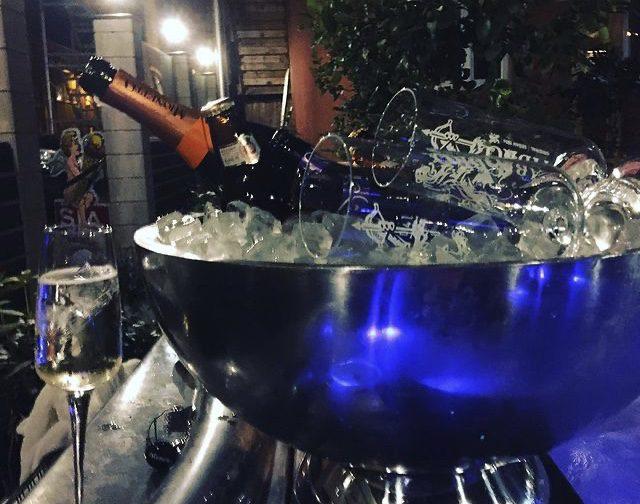 Fylld champagneskål på Palace Hotell