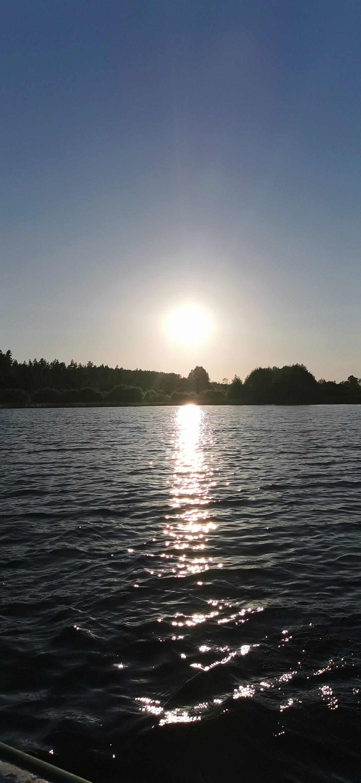 Glittrande sjö